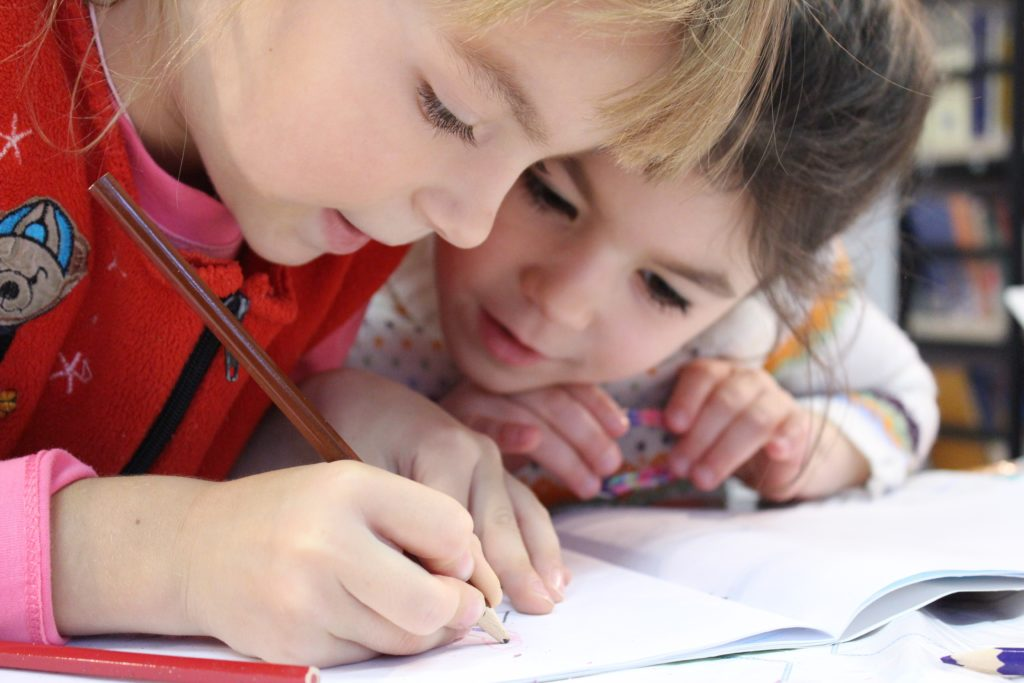 Symptoms of Anxiety in Pre-school Children_smartmommies